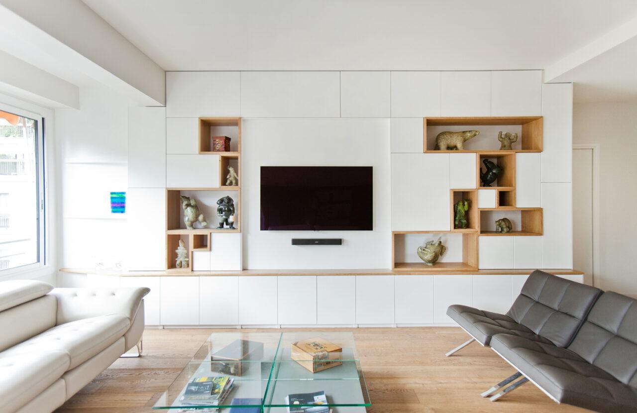 bibliothèque sur mesure niche bois tv intégrée