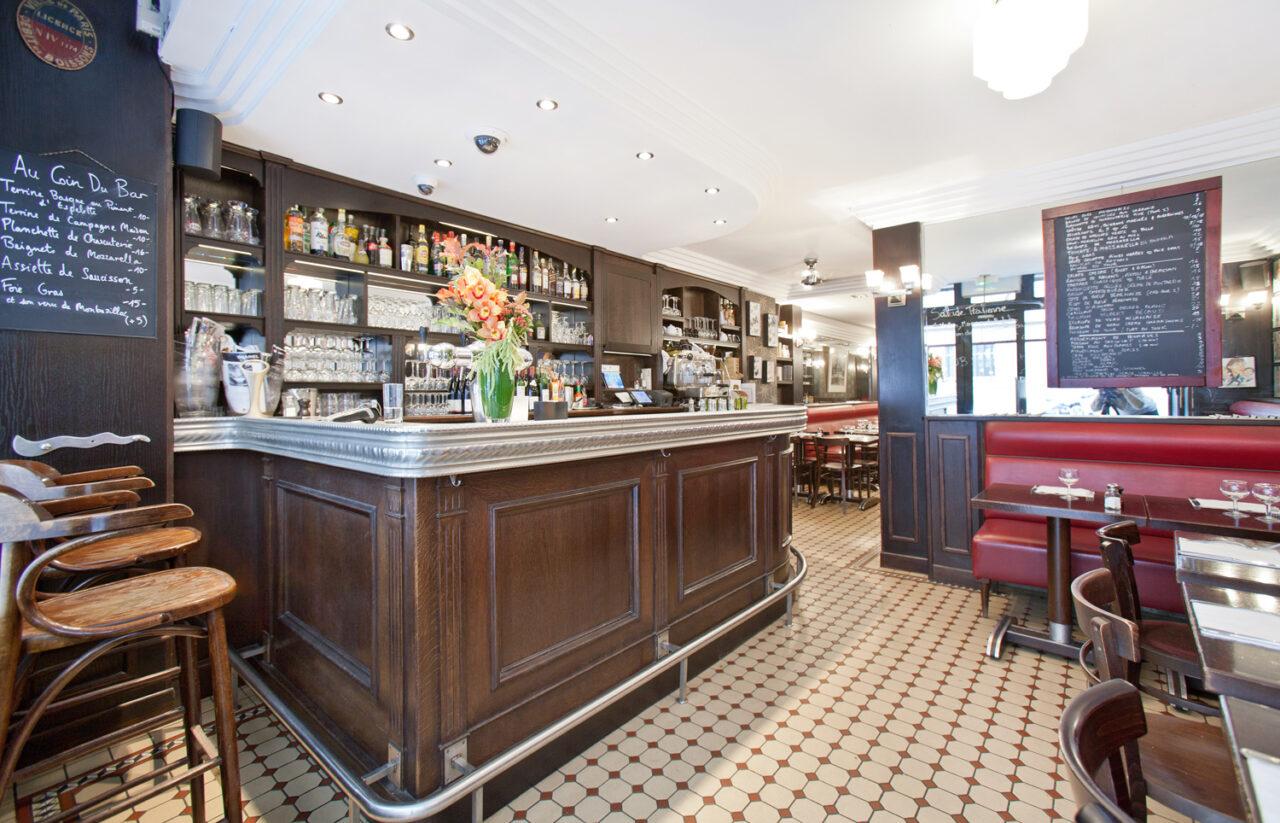 Bar sur mesure carrelage décoratif faux plafond