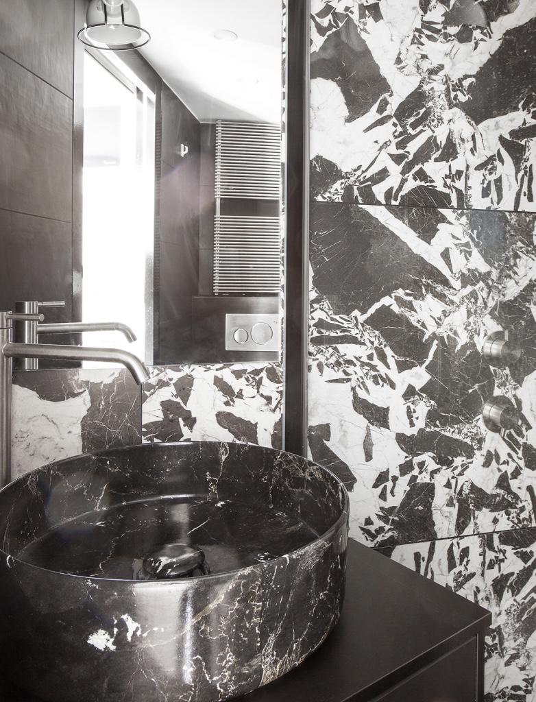 Salle de bain effet marbrée