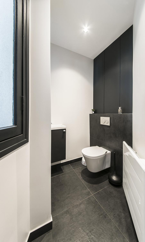 Toilette suspendu et meuble sur mesure