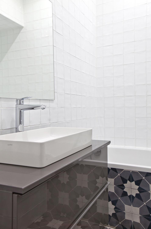 Salle de bain sur mesure carrelage decoratif