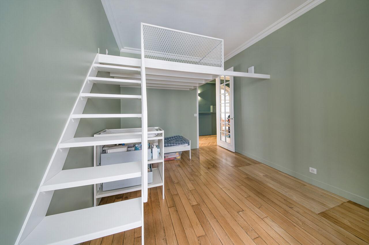 mezzanine suspendu sur mesure metal blanc