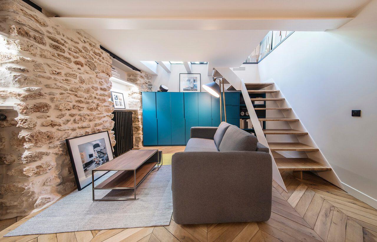 salon sur mesure escalier bois blanc